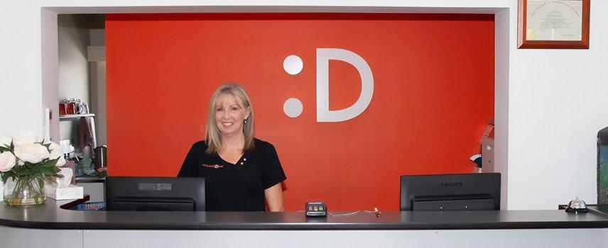meadowbank dental reception - Contact Us